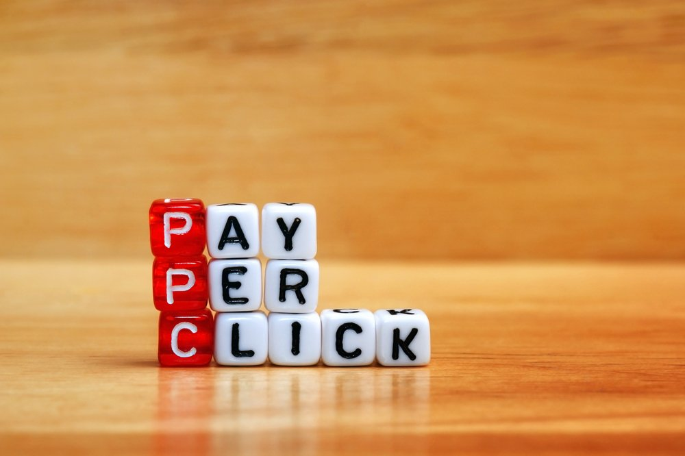 "Dice creating the words: ""Pay per click"""